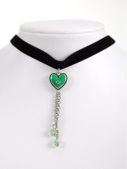 Bavarian necklace with green heart pendant (K26)