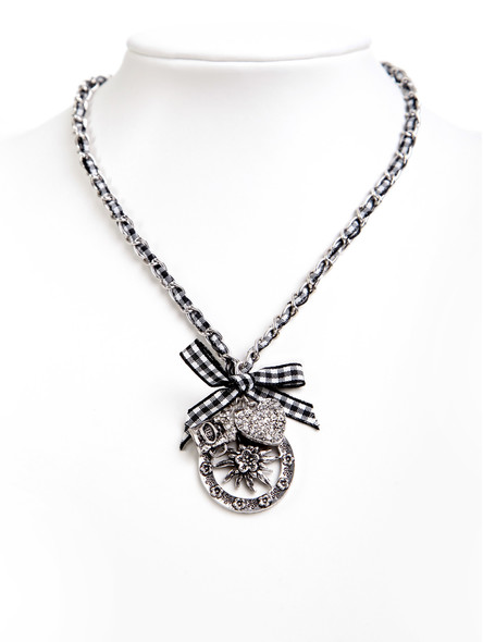 Costume necklace with bavarian pendandts black (K33)